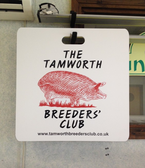 The Tamworth Breeders Club Sign