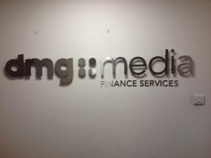 dmg Media Sign